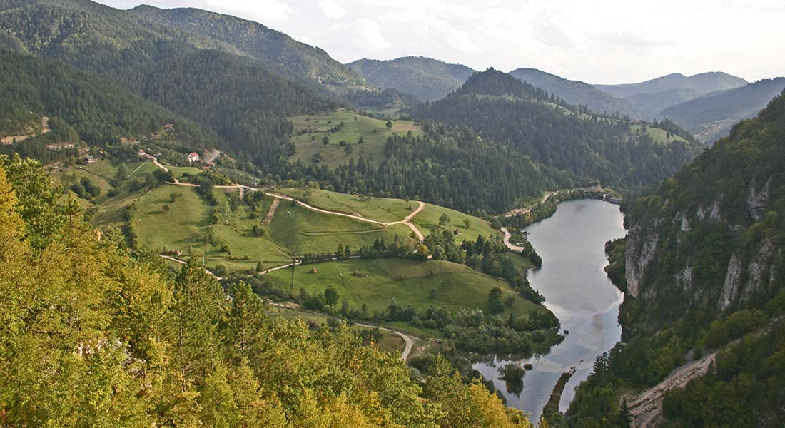 Zaovine Lake on the Tara mountain, photo Dragan Bosnić
